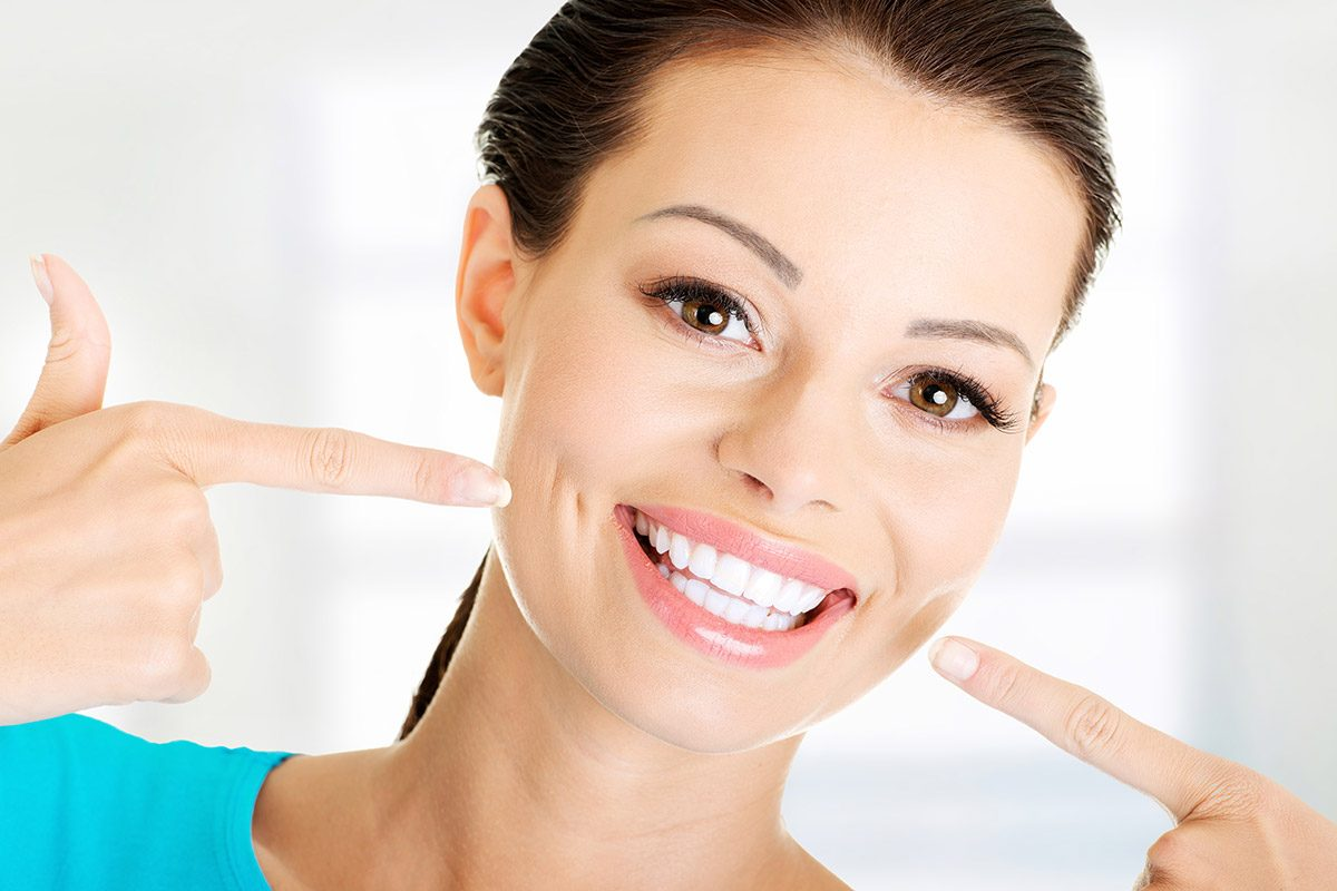 How long do teeth whitening results last by Thompson Dental